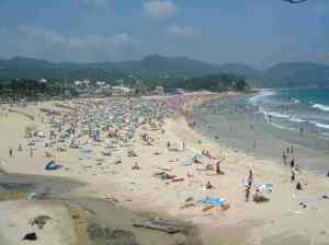 Una playa de Shimoda en verano